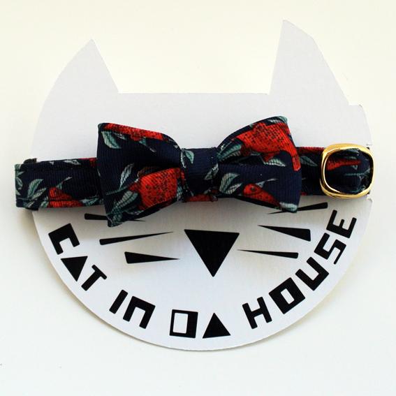 cat's collar vintage printed fabric_k