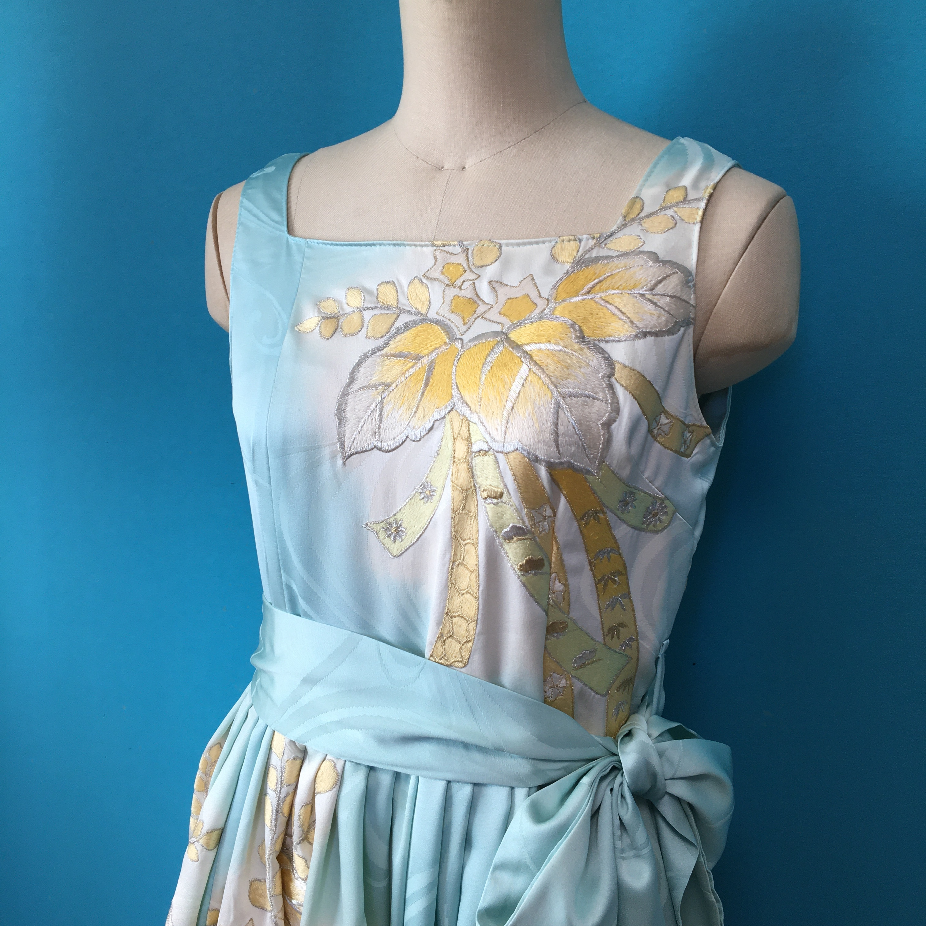 Vintage 水色振袖刺繍ドレス
