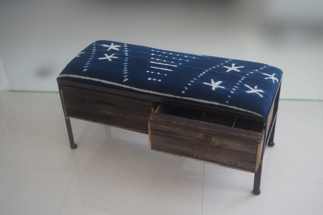 品番UAI2-125  2drawer ottoman[narrow/African indigo batik tribal]