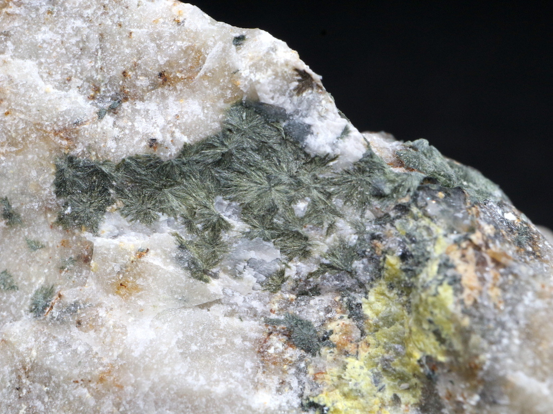 フェリスーライト フィロ珪酸塩鉱物  29,5g 原石 標本 FRR001 天然石 鉱物 パワーストーン