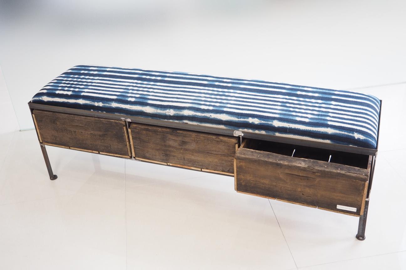 品番UAI3-120  3drawer ottoman[nerrow/African indigo batik tribal]