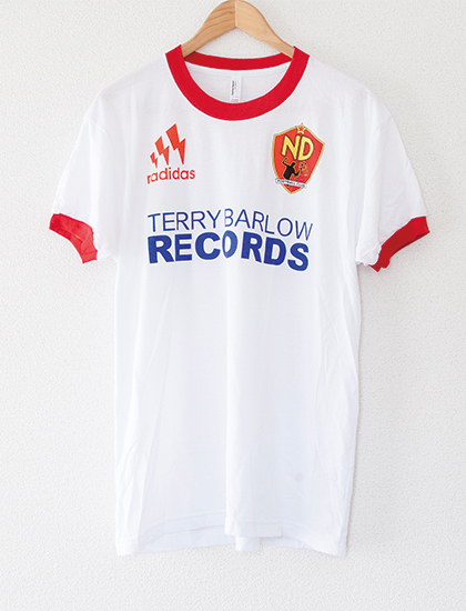 【NECK DEEP】2018 Soccer Ringer T-Shirts (White/Red)