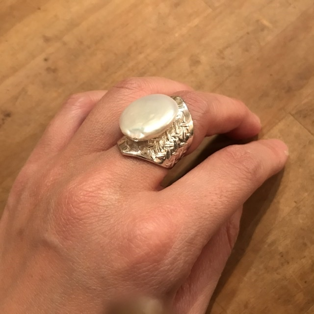 SV pearl_ring