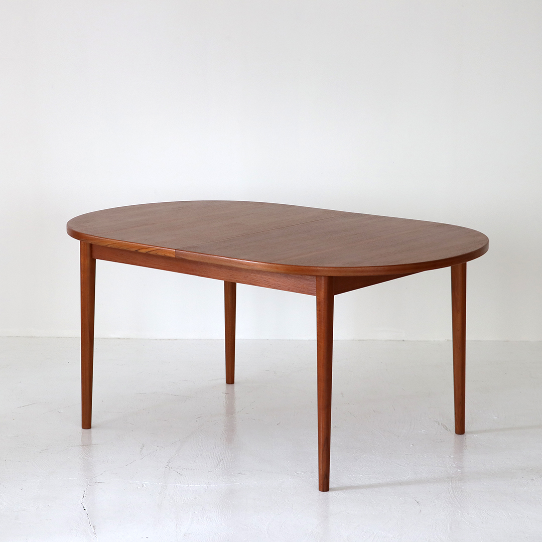Dining table / Nils Jonsson for Troeds