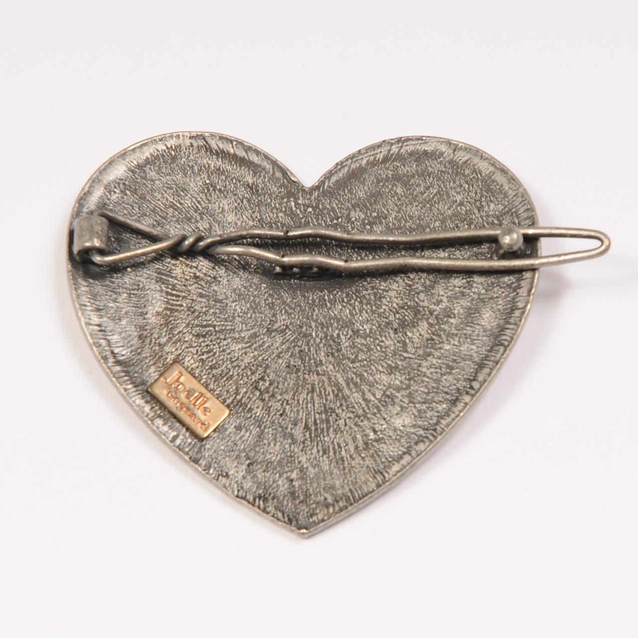 Joe11AU19-1 heart swaro pin