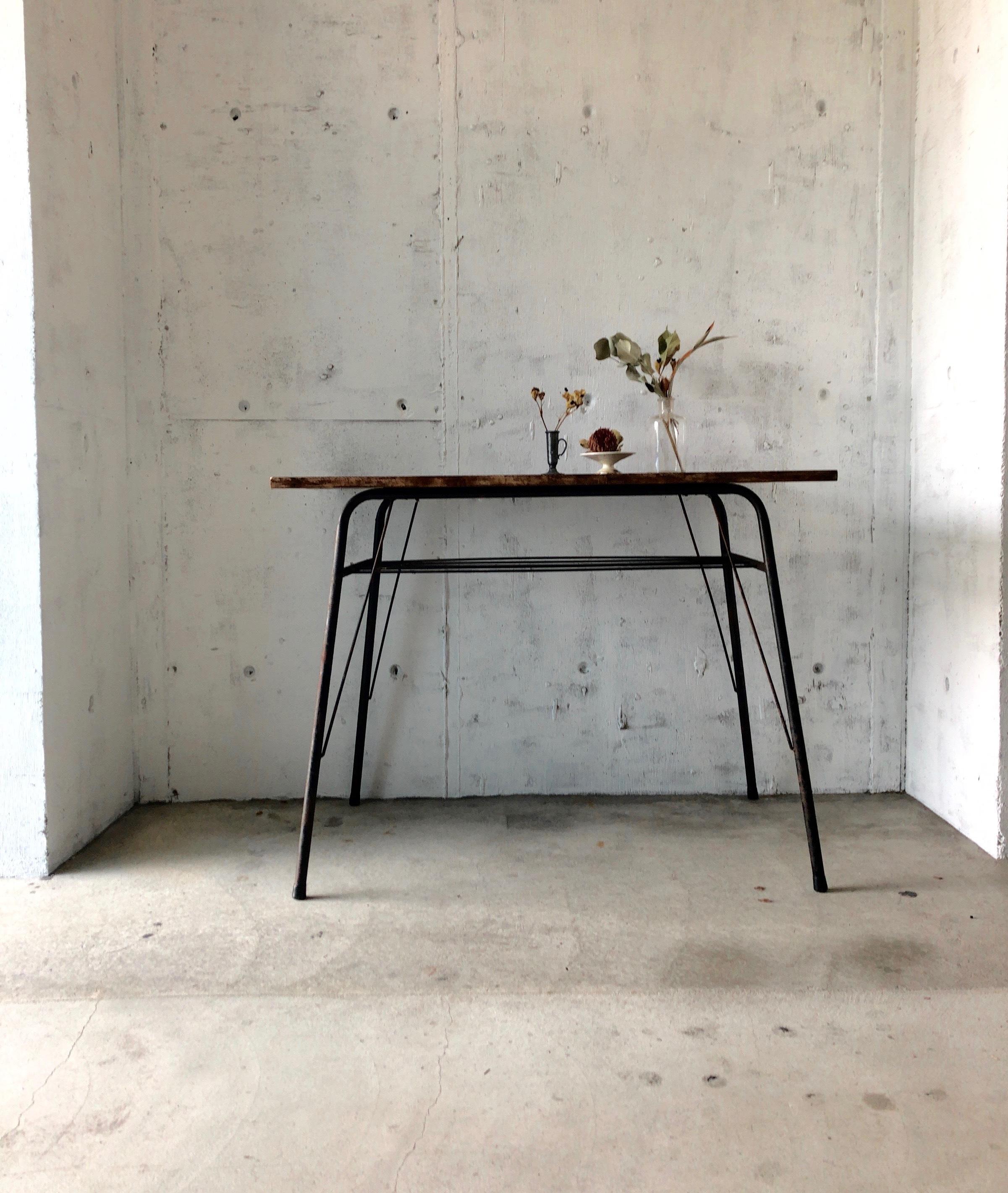 木天板×サビ脚のテーブル[古家具]