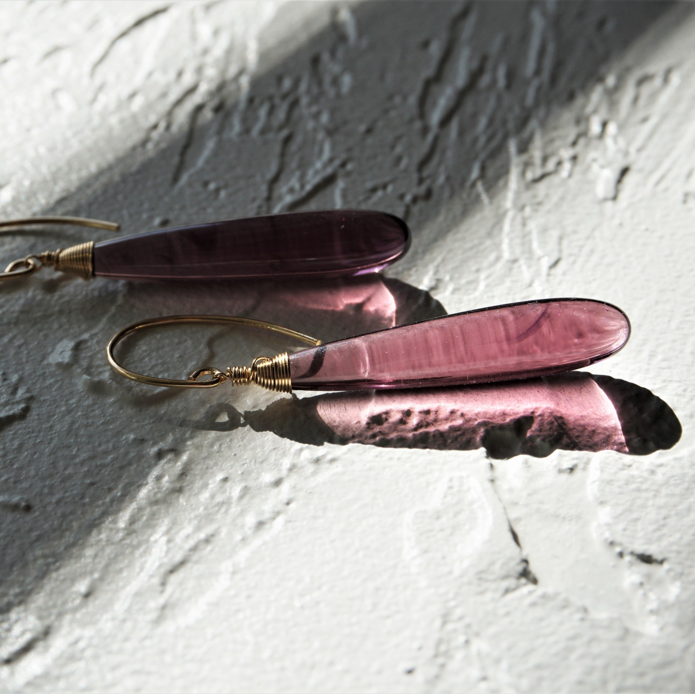 送料無料14kgf*Quartz drop pierced earring / earring DARK CHERRY