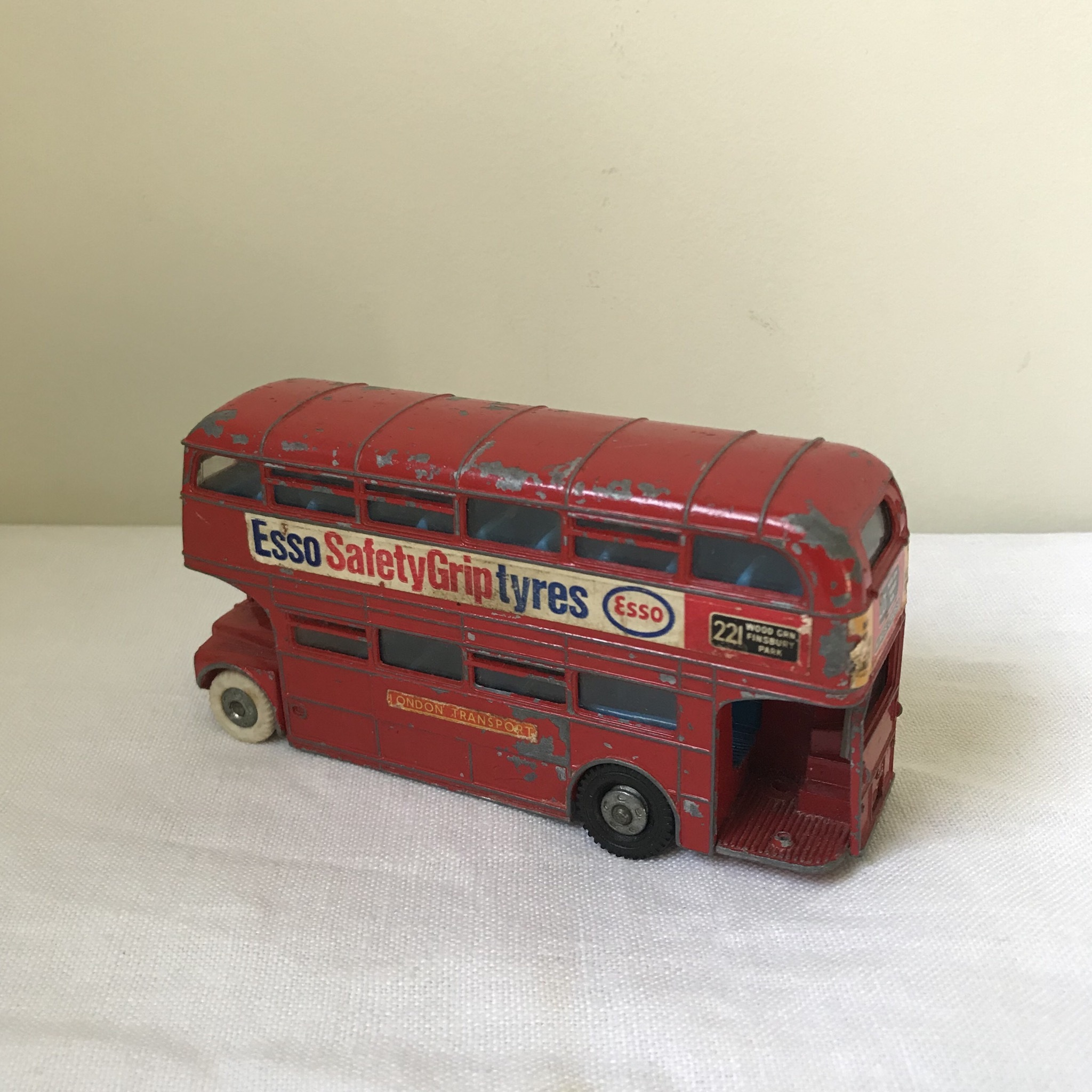 バスのミニカー2