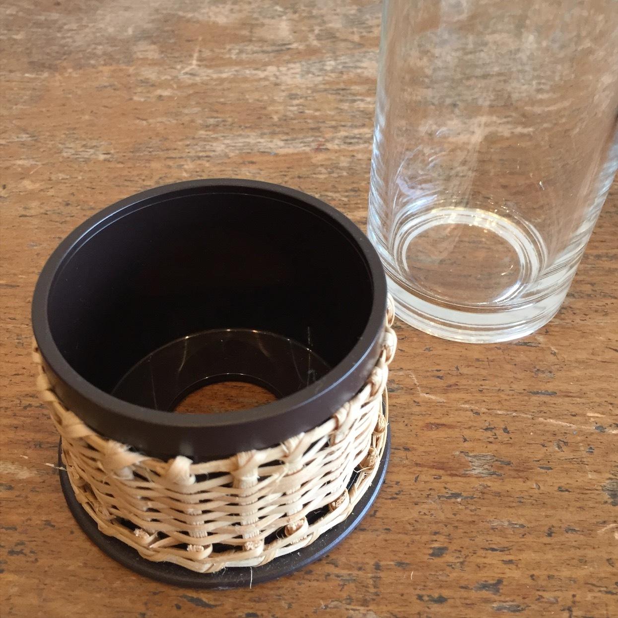 藤編みソーサー付グラス