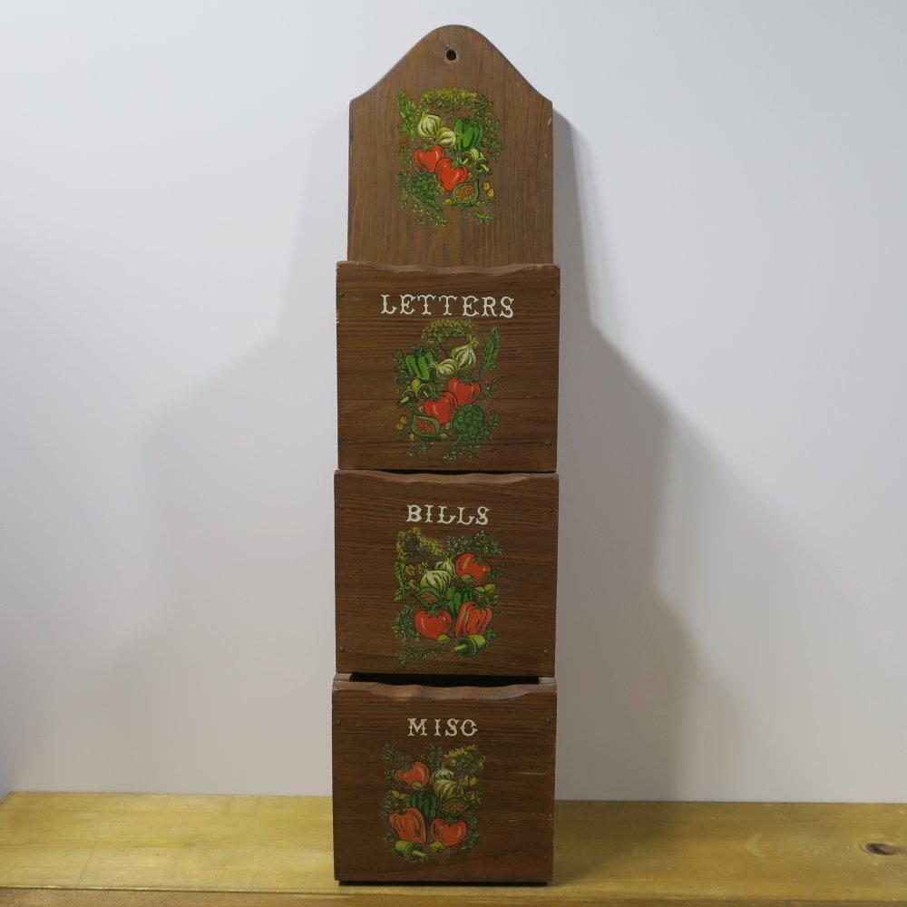 USA/木製ヴィンテージ・壁飾り・インテリア レターボックス