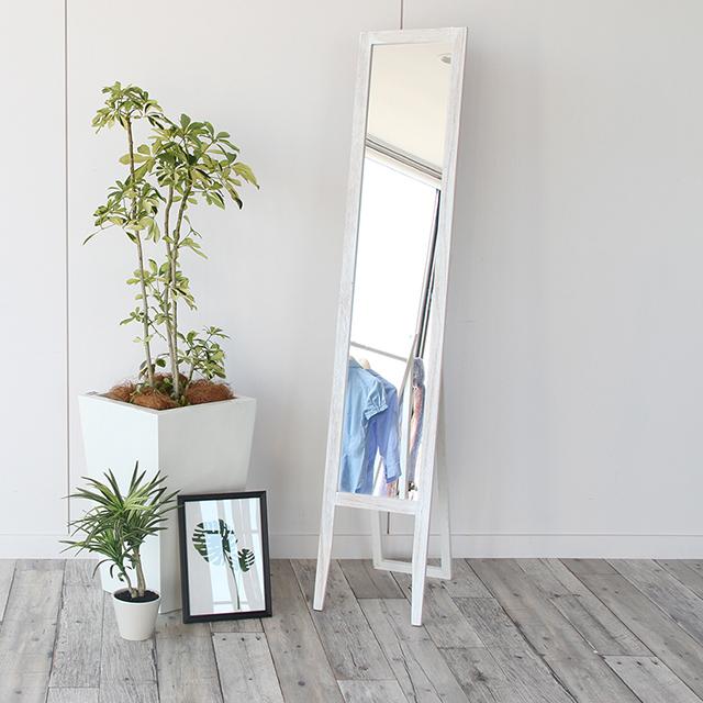 絶妙くすみ塗装!二色展開アンティーク調スタンドミラーで、シャビーシックなお部屋に。