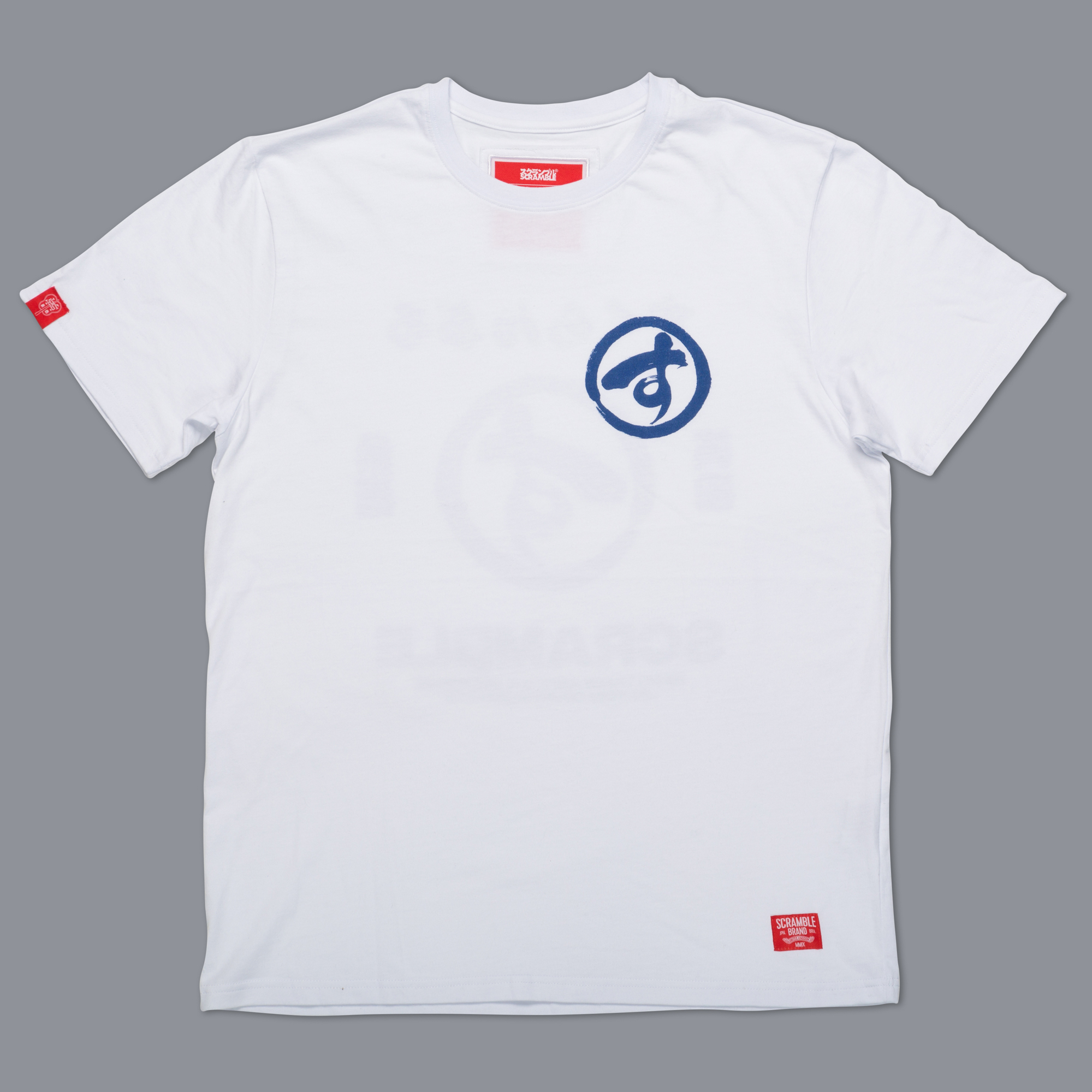 SCRAMBLE BRUSH LOGO TEE – ホワイト|格闘技、柔術Tシャツ