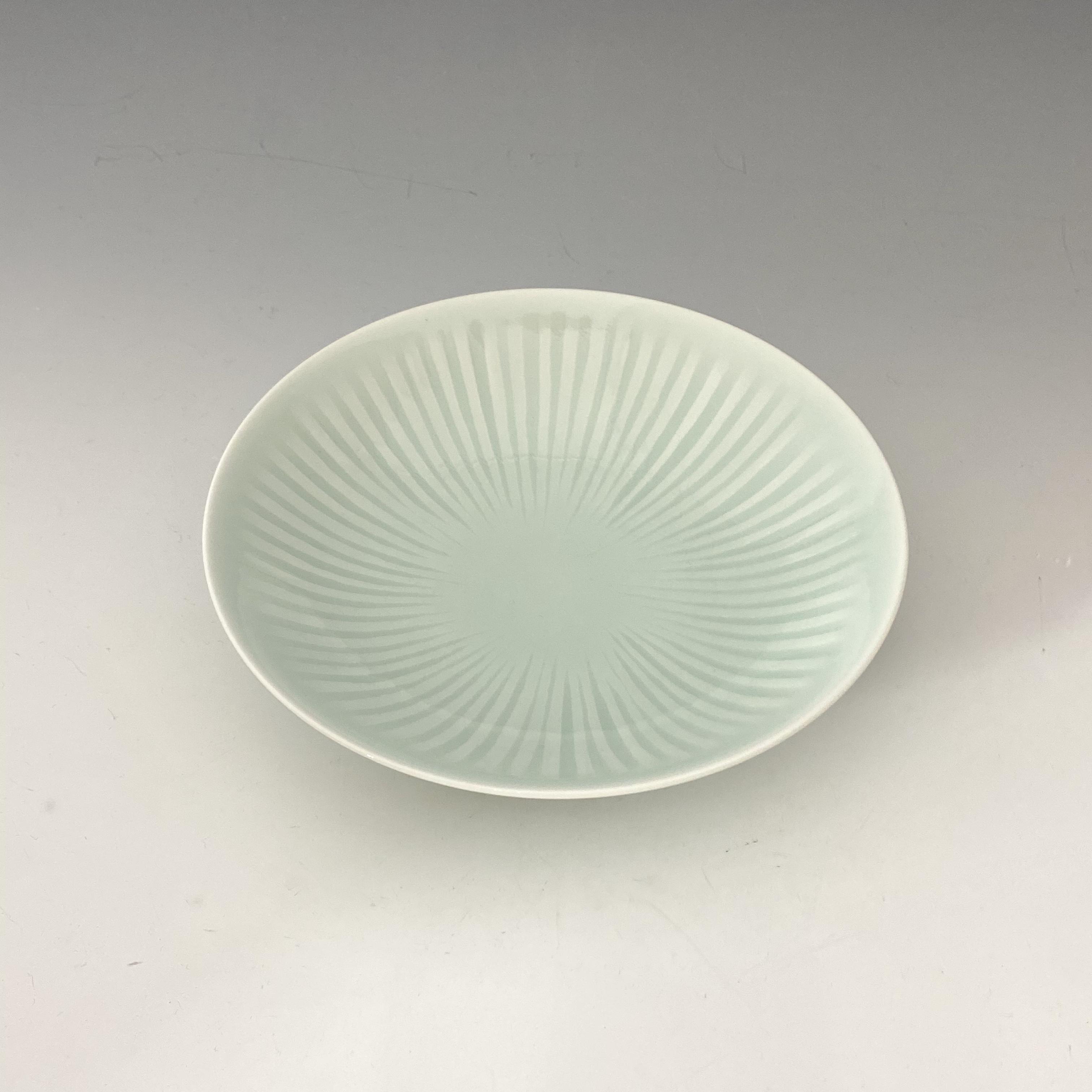 【中尾純】青白磁線彫皿