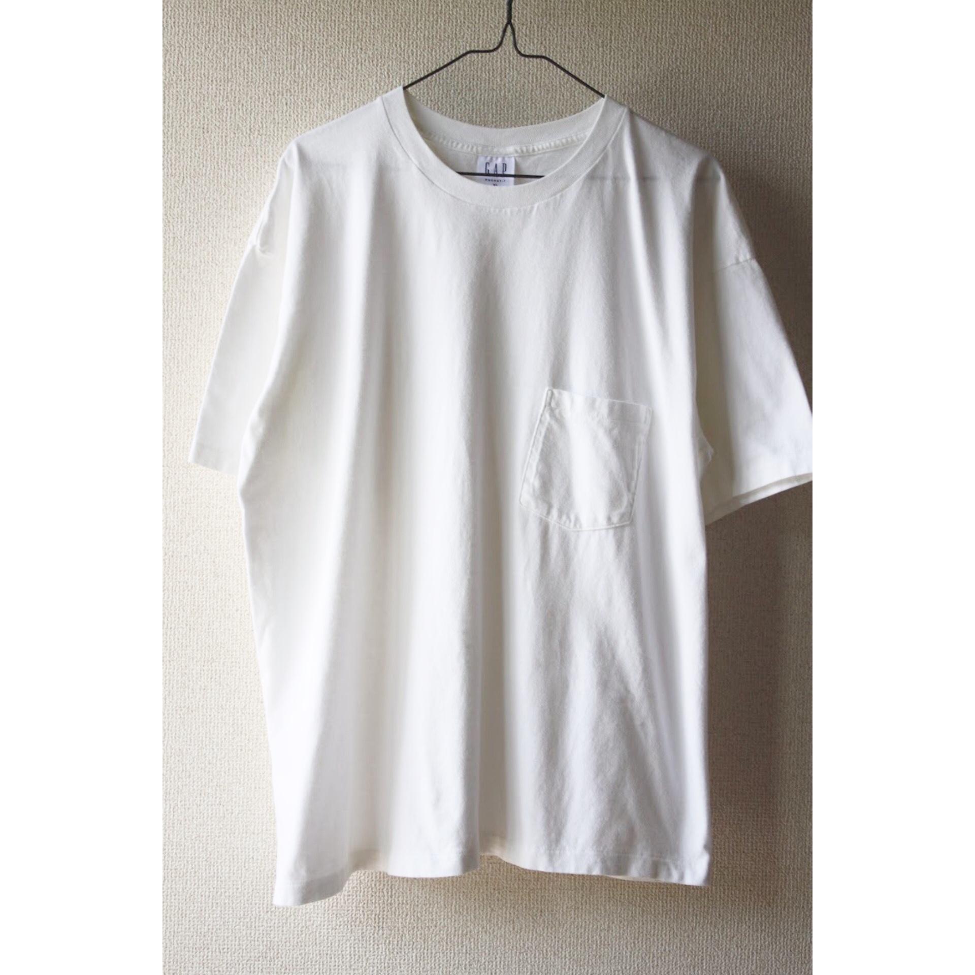 90s white pocket t shirt by GAP