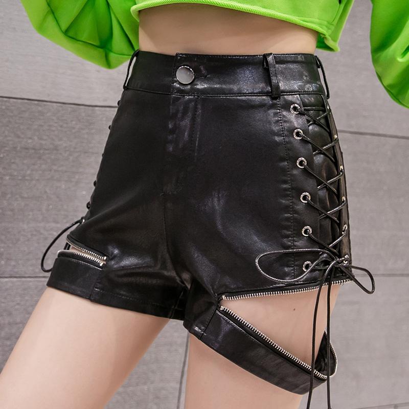 【bottoms】ファッション細見せPU切り替えショートパンツ25539174