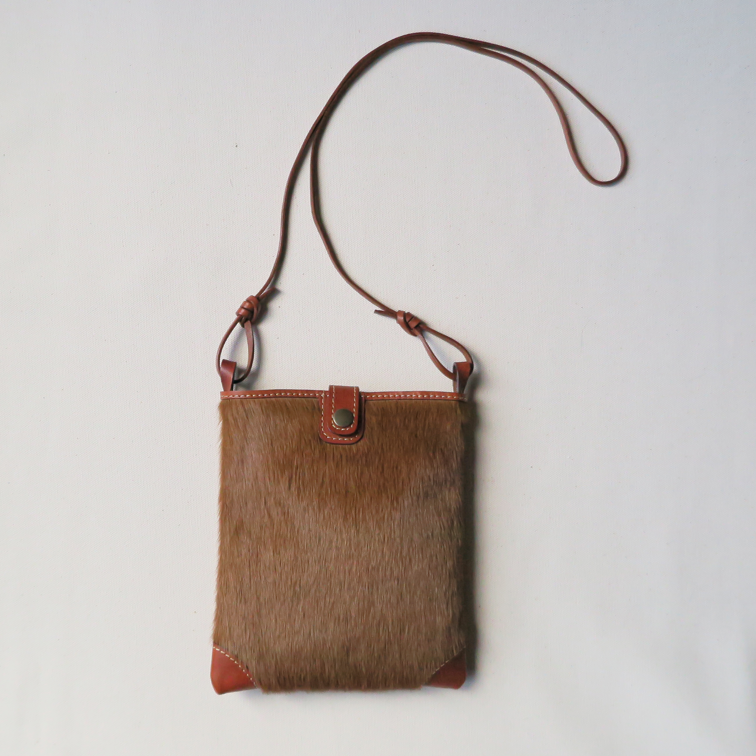 Hair kangaroo mini pochette