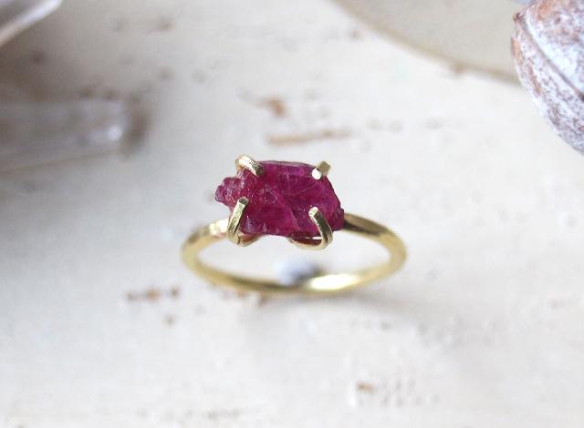 [一点物]原石のルビーのリング