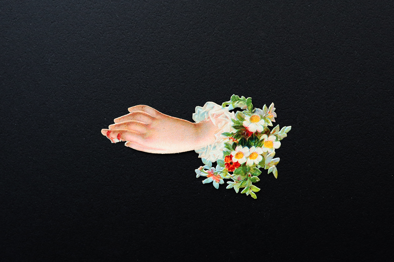 【ドイツ】右手と白い花のクロモス