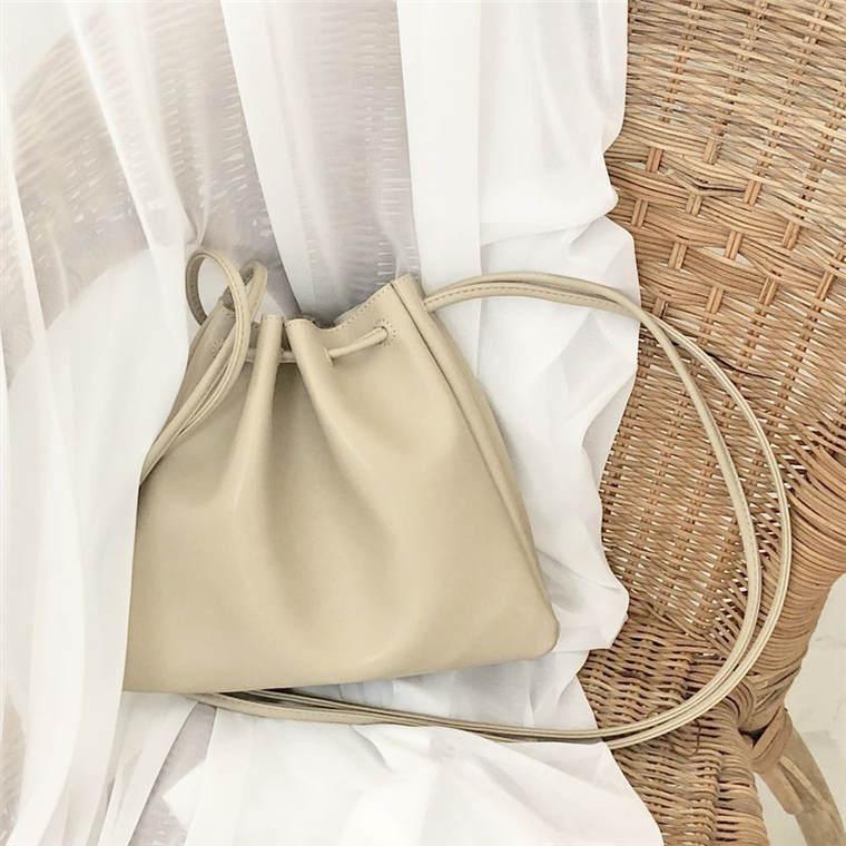 【送料無料】人気の巾着タイプ ♡ 大人可愛い カジュアル レザー ショルダー 斜めがけ ミニ バッグ