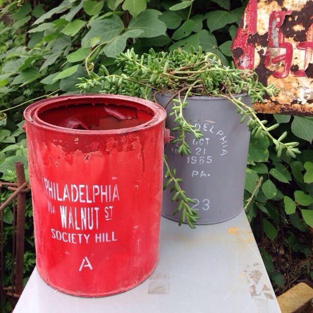リメイク缶 赤 PHILADELPHA