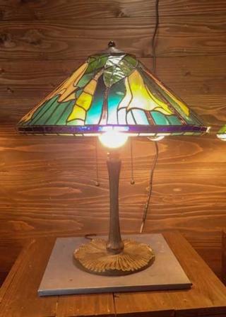 ダチュラ(ティファニーランプ)(ステンドグラスのテーブルランプ) 01040004