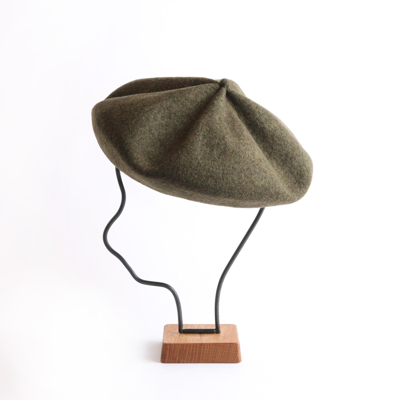 mature ha./beret top gather big khaki