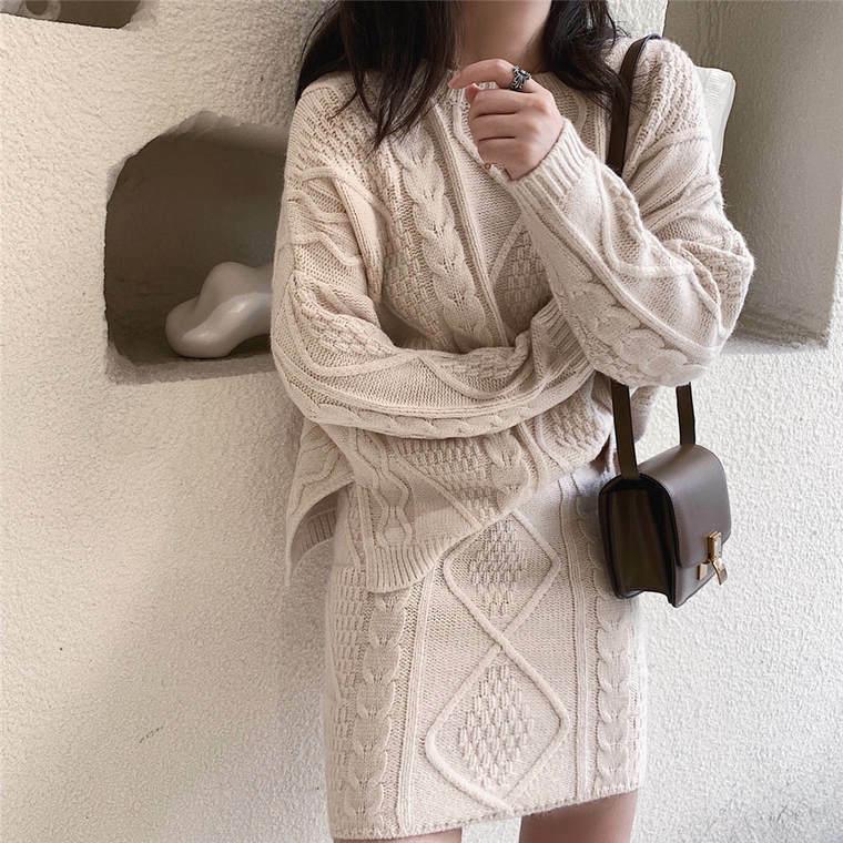 【送料無料】秋冬の こなれ セットアップ ♡ 2点セット きれいめ 大人可愛い ケーブル編み ニット セーター × ミニ スカート