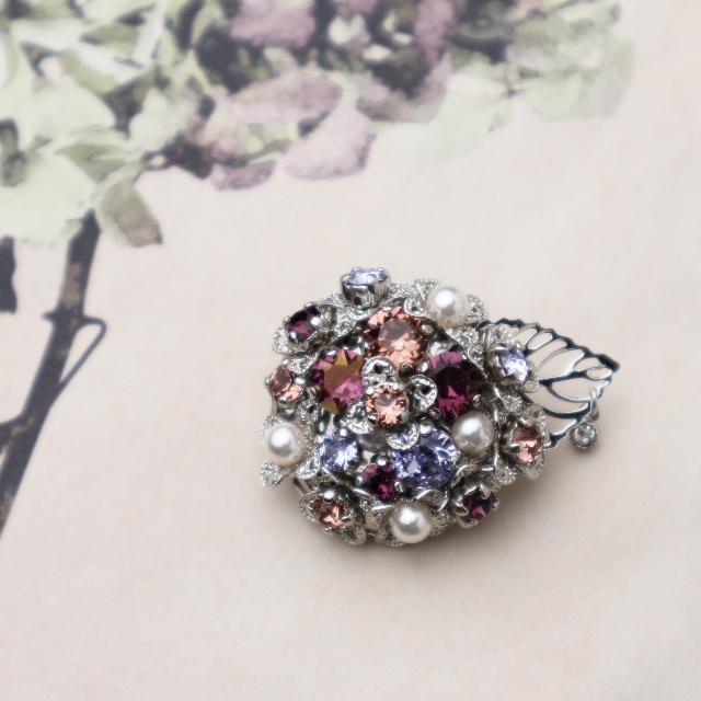 スワロフスキーの紫陽花ブローチ ピンク