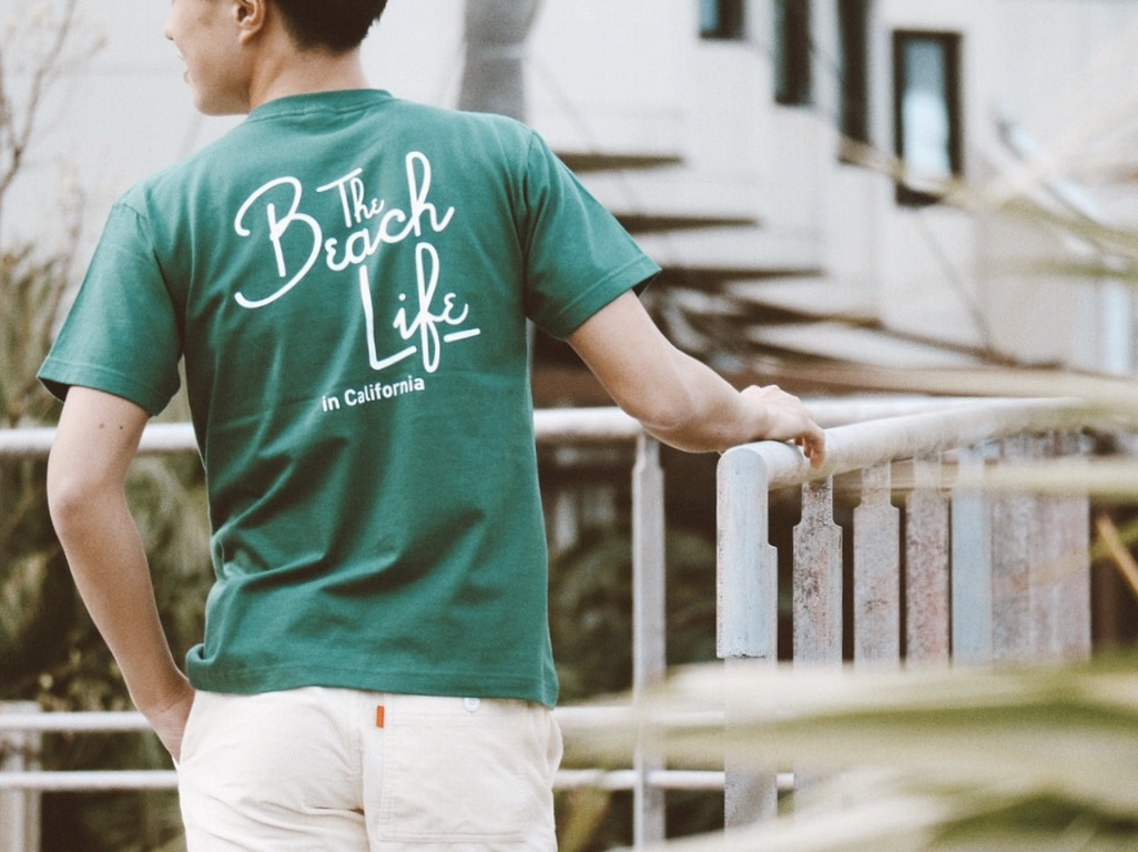 Beach Life in CAL Tシャツ(green)