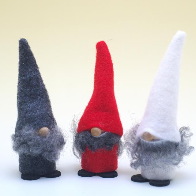 三角帽のトムテ