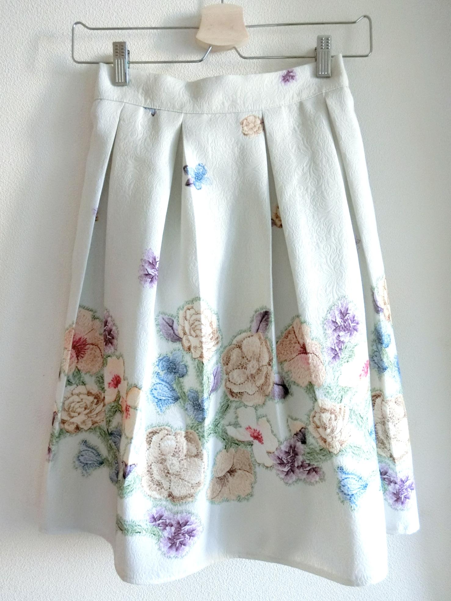 再入荷★かすみお花柄スカート ホワイト