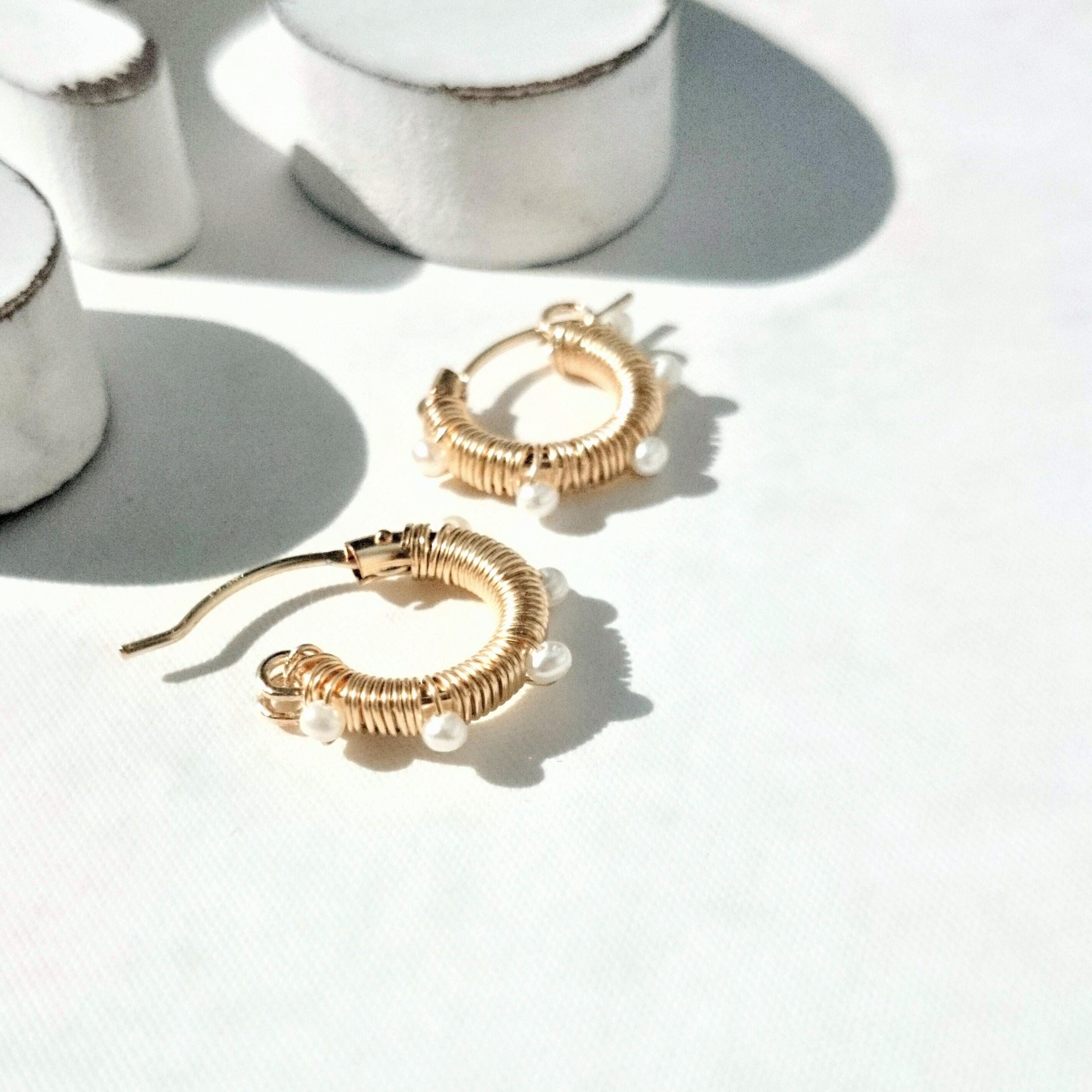 送料無料 14kgf*baby pearl wrapped hoop pierced earring/earringパール
