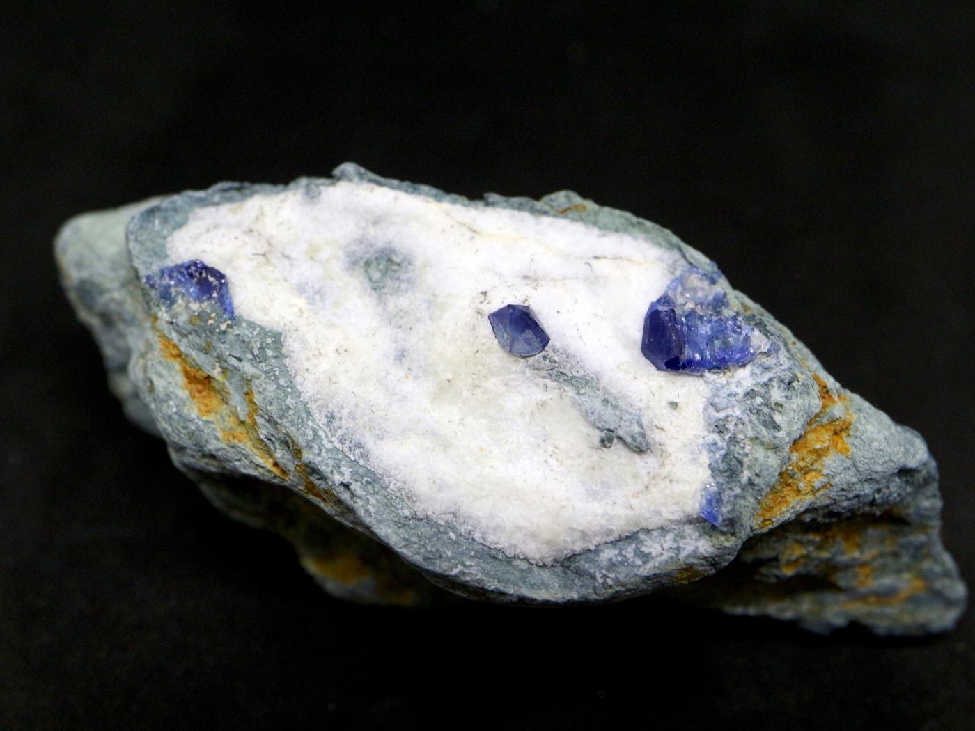 ベニトアイト 原石 ベニト石 30,7g BN035