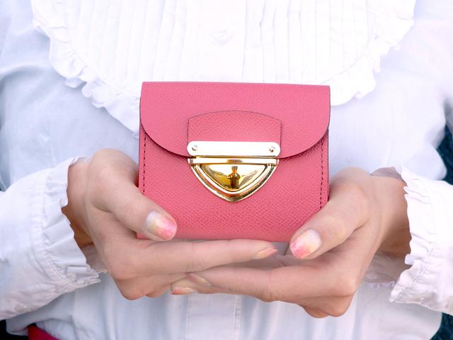身軽にキメたい時のコンパクト財布|P式パーティーレザー・ピンク