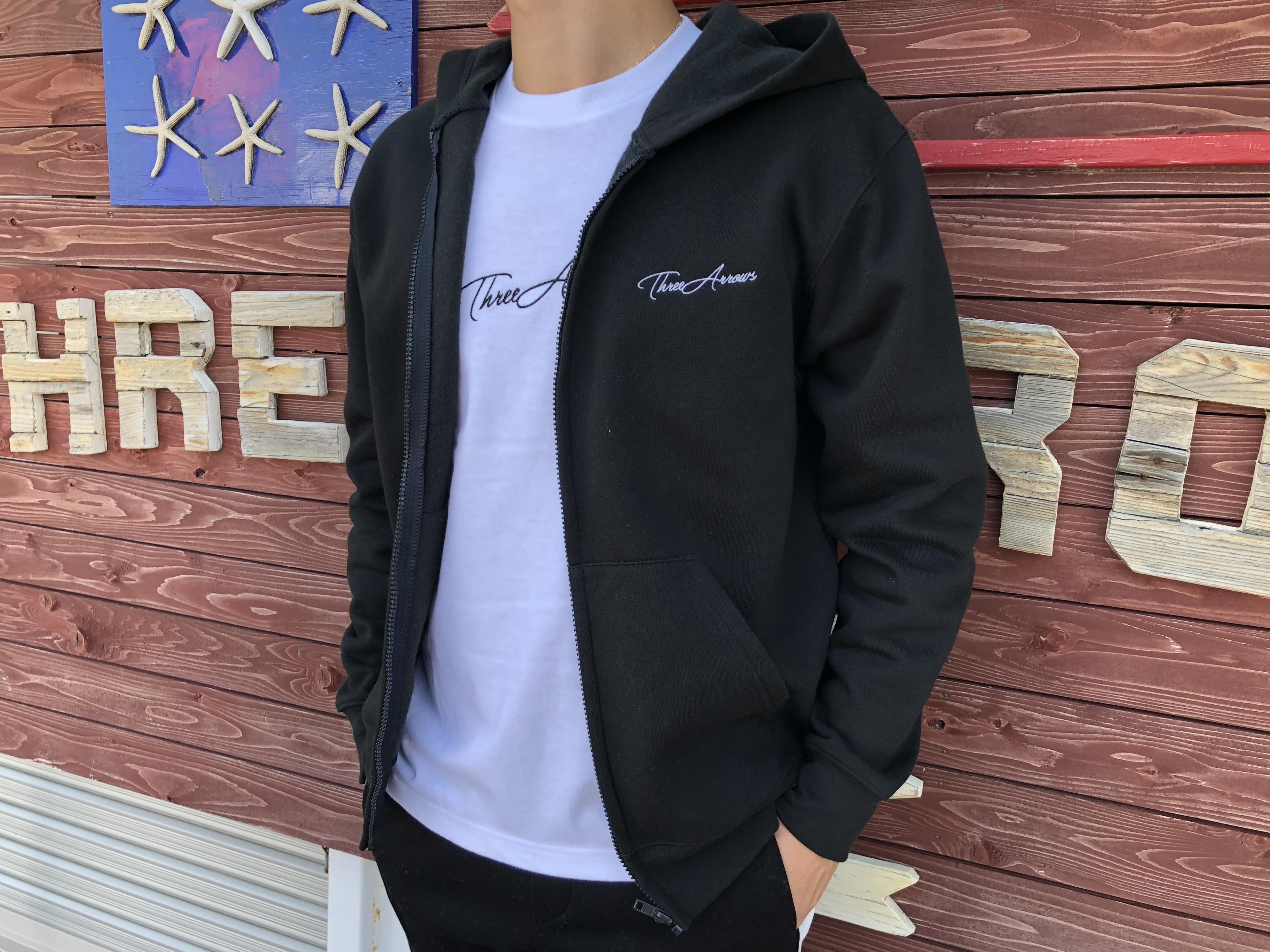 ThreeArrows point刺繍ZIPパーカー (black)