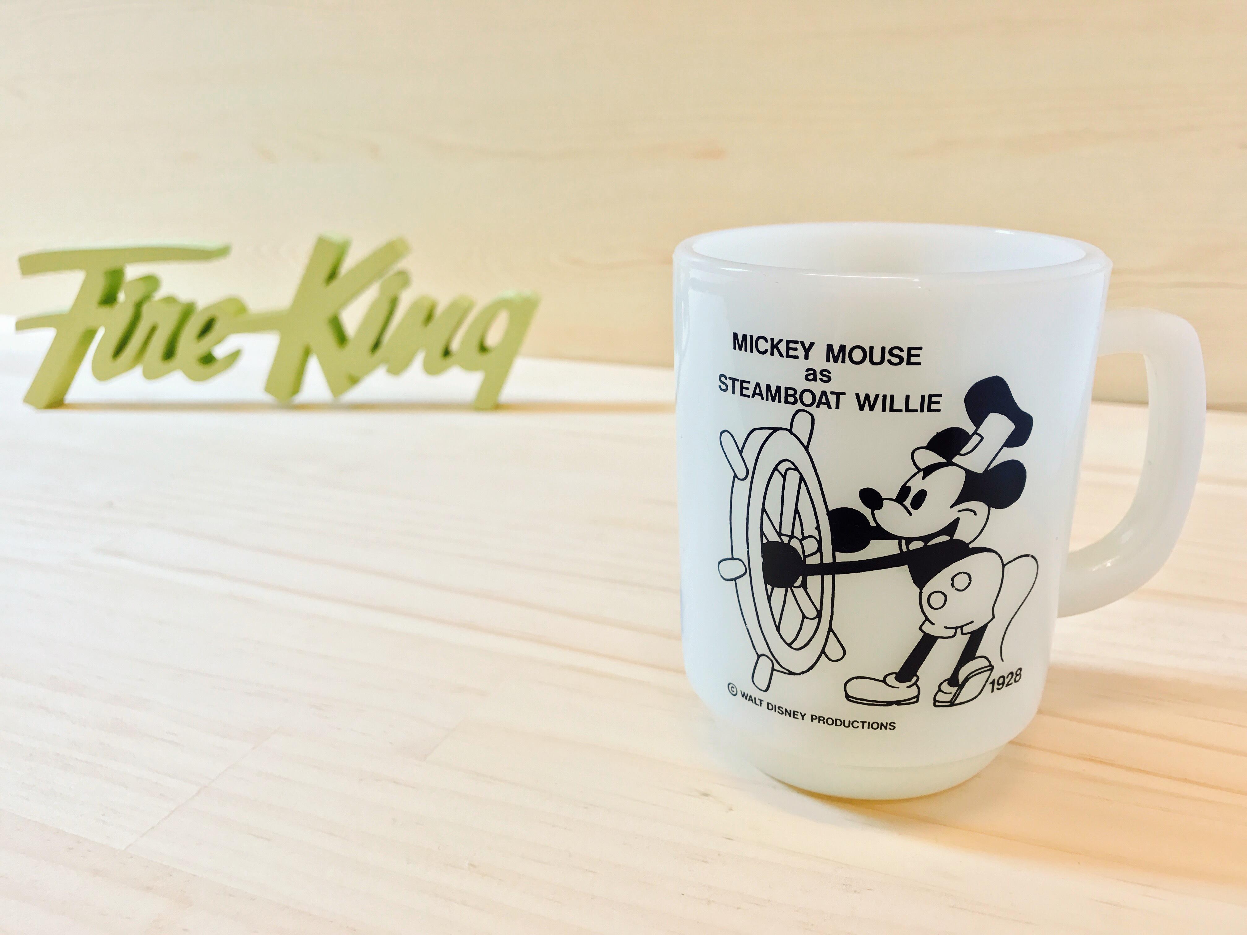 "[Fire King] ディズニー ""蒸気船ウィリー"" マグ ミルクガラス"