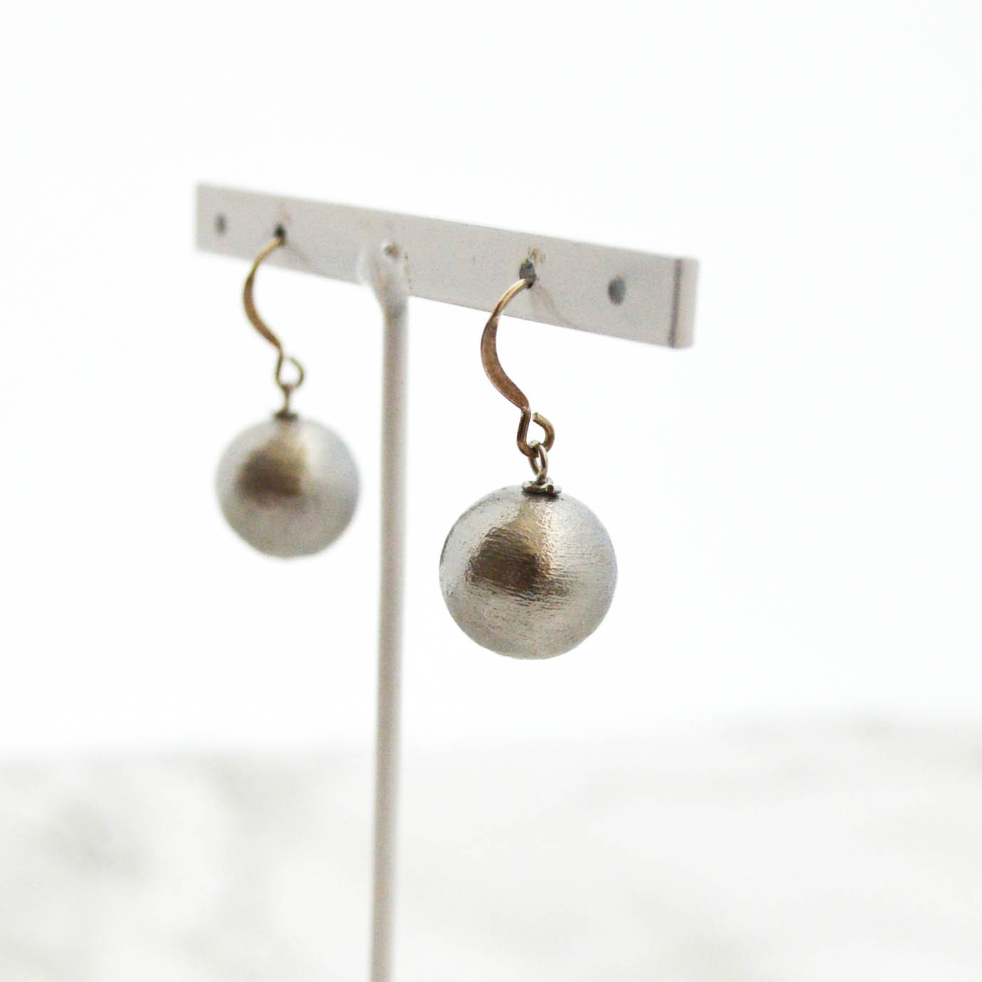 Silver925 Gray Cotton Pearl Pierces/Earrings(12mm)