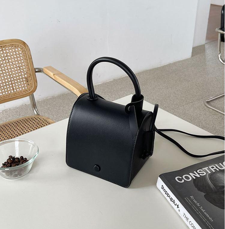 シンプルカラーハンドバッグ