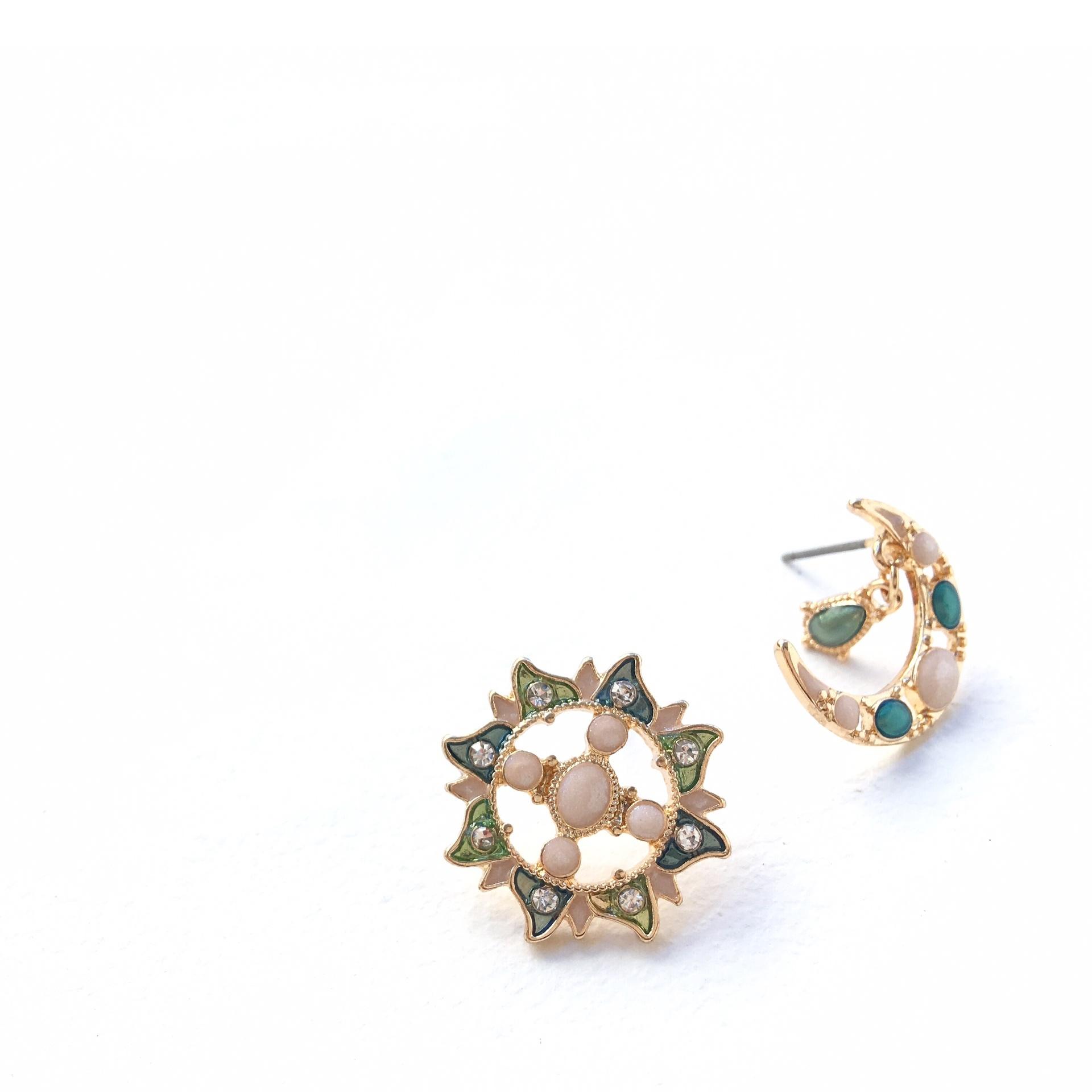 月と太陽ピアス Exotic mini