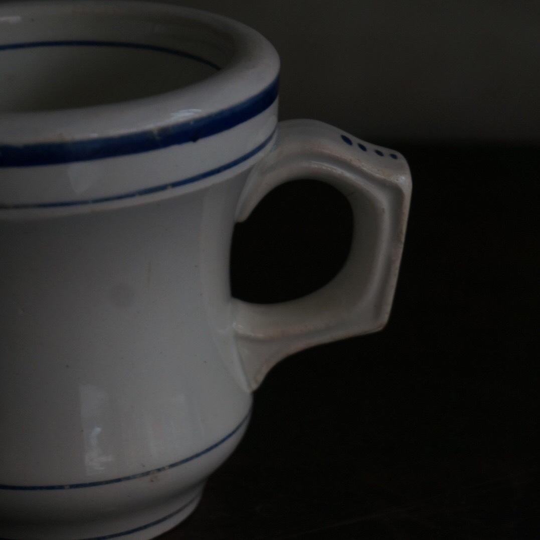 古いフランスのブリュロカップ