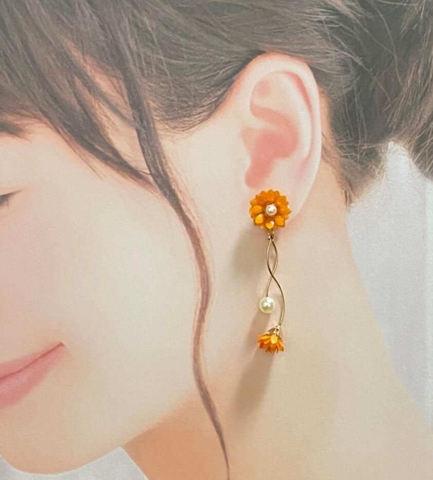 ビタミンカラーピアス【オレンジ】 ダリア・オレンジ・プレゼント・元気カラー