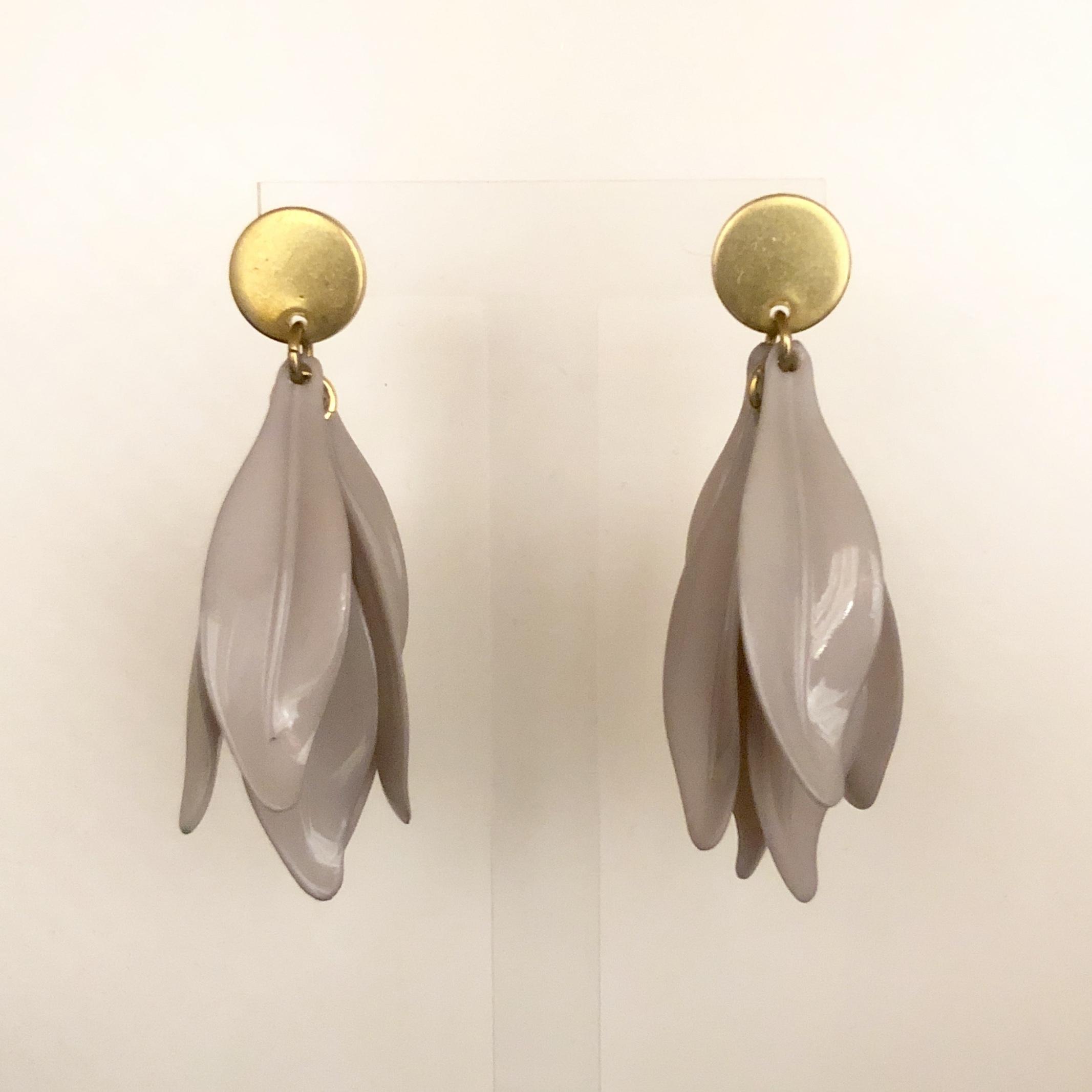 Purple petal earrings No.411