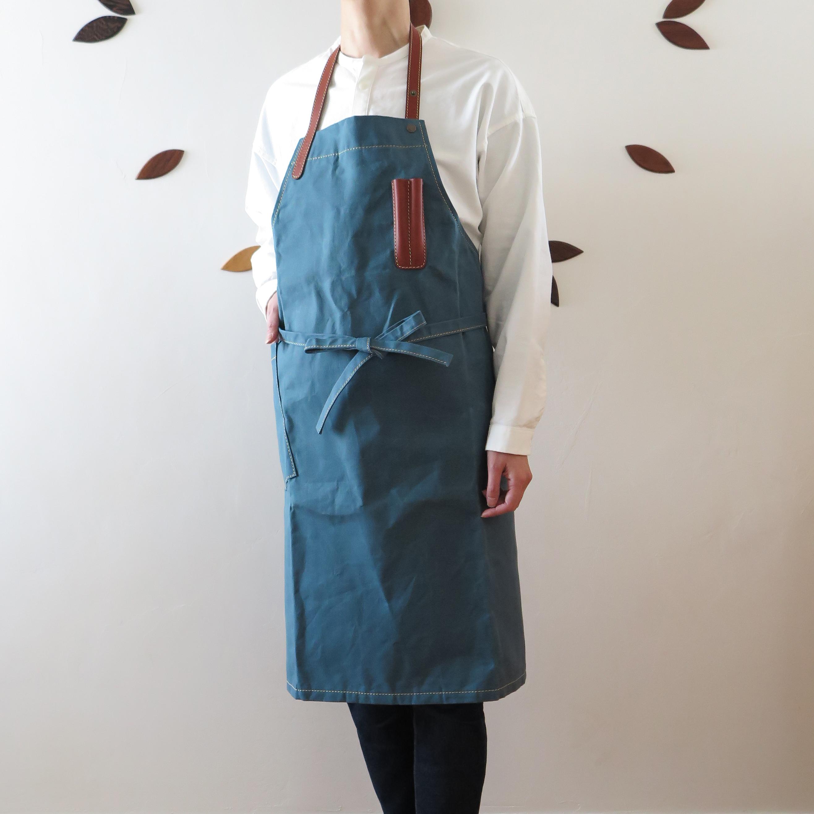 Paraffin canvas apron  BLUE
