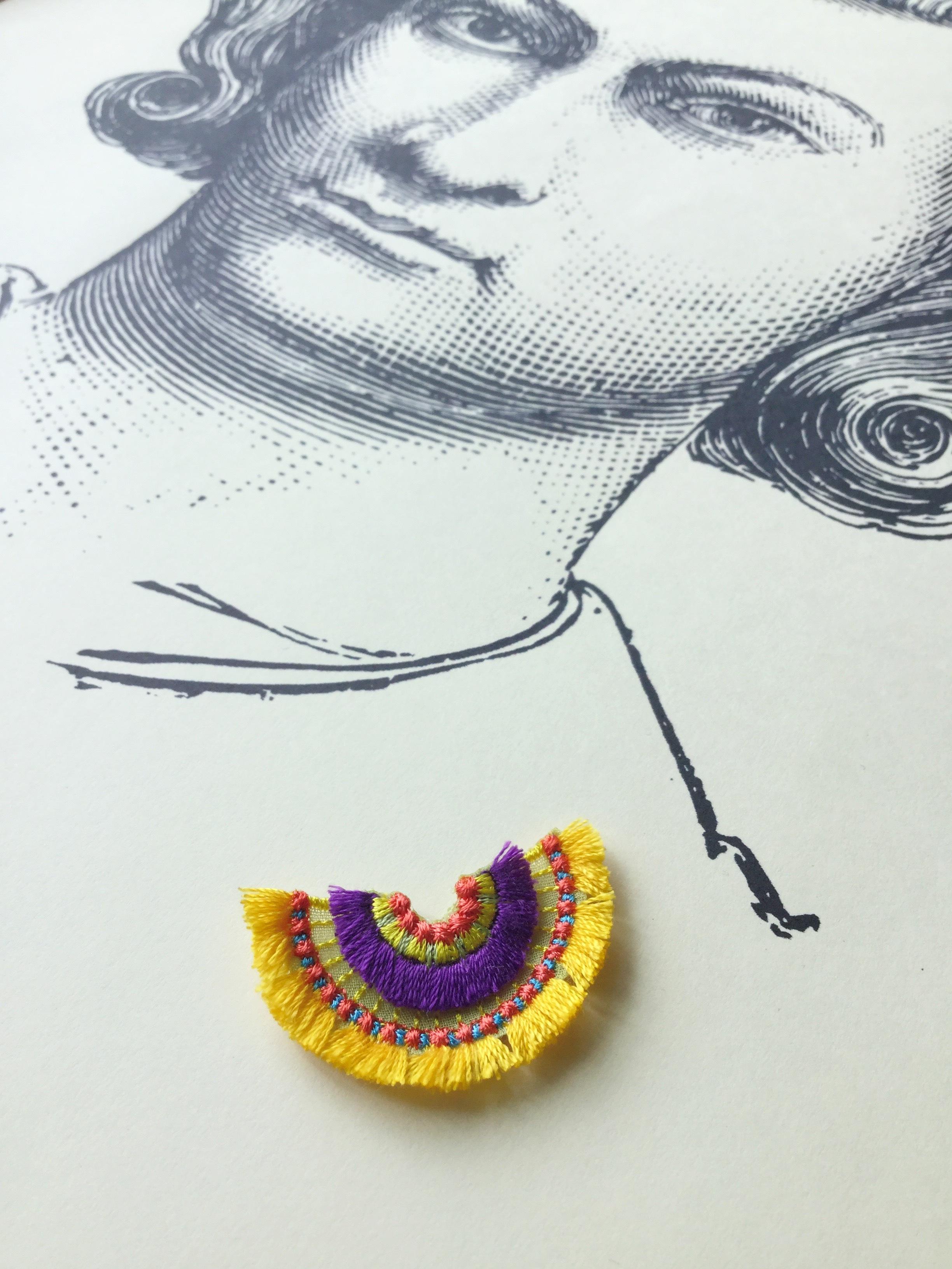 ARRO / 刺繍 ブローチ / bloom / yellow