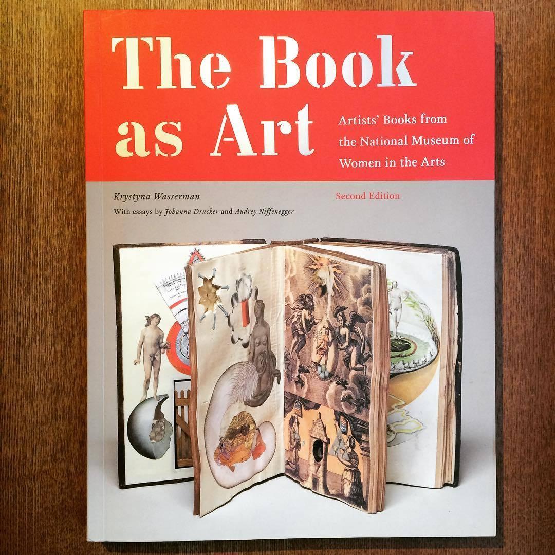 アートの本「The Book As Art: Artists' Books from the National Museum of Women in the Arts」 - 画像1