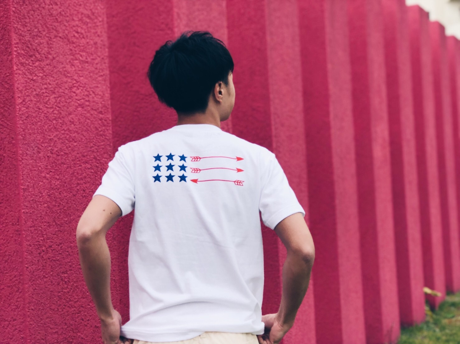 Back Arrow Flag Tシャツ(white)