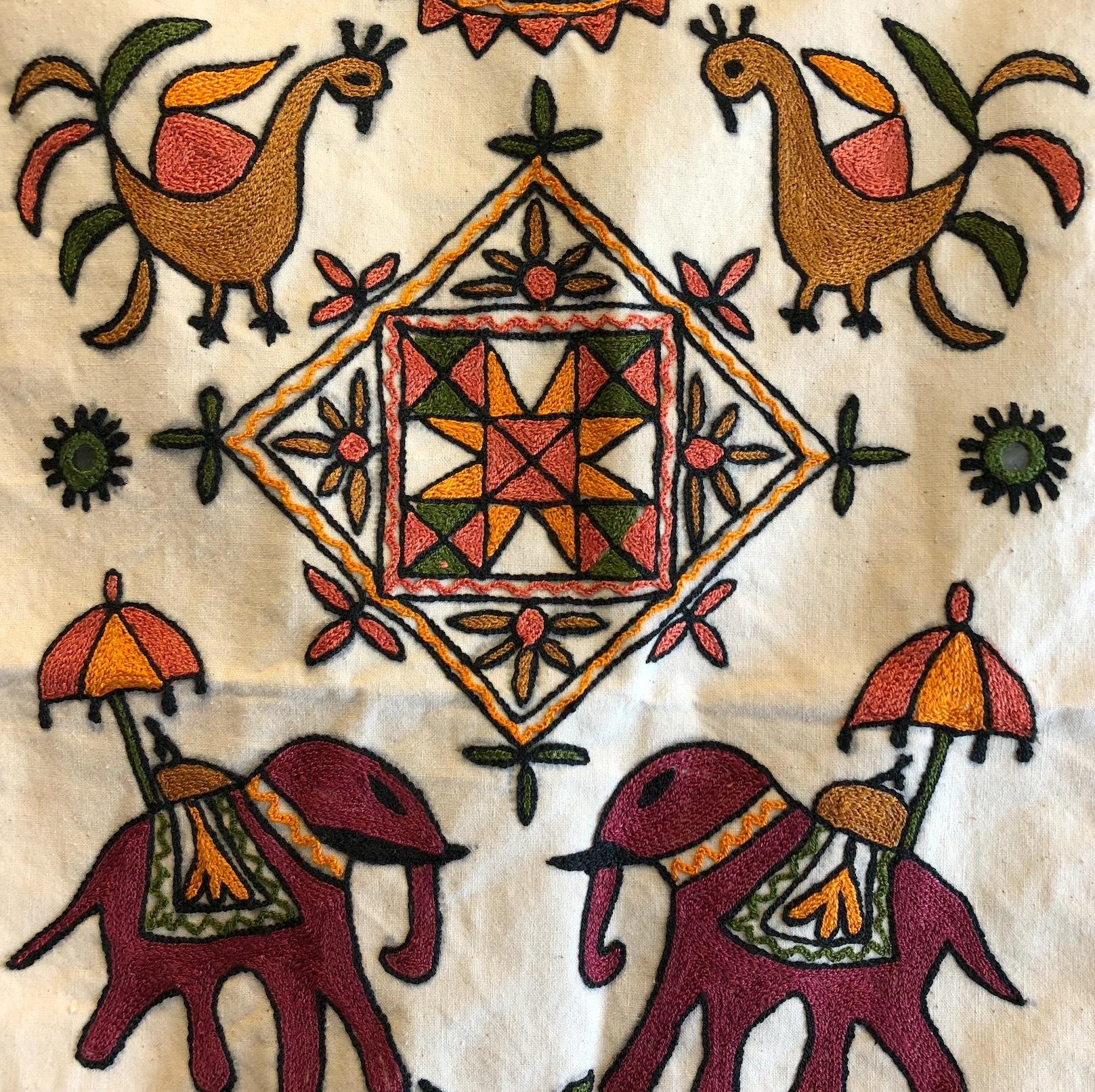 インドの刺繍タペストリー