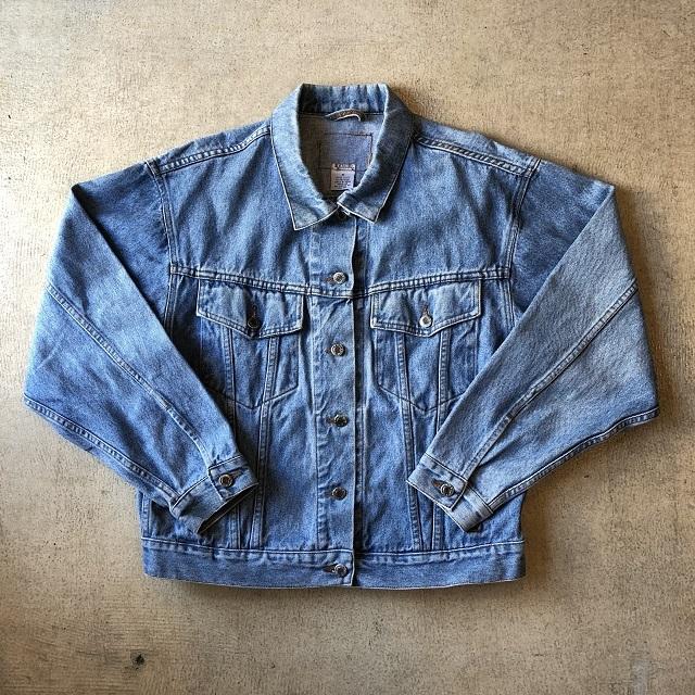 Big Silhouette Denim Jacket