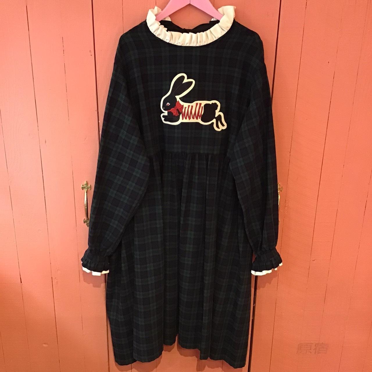 刺繍ワンピース(黒うさぎ/緑チェック/長袖)