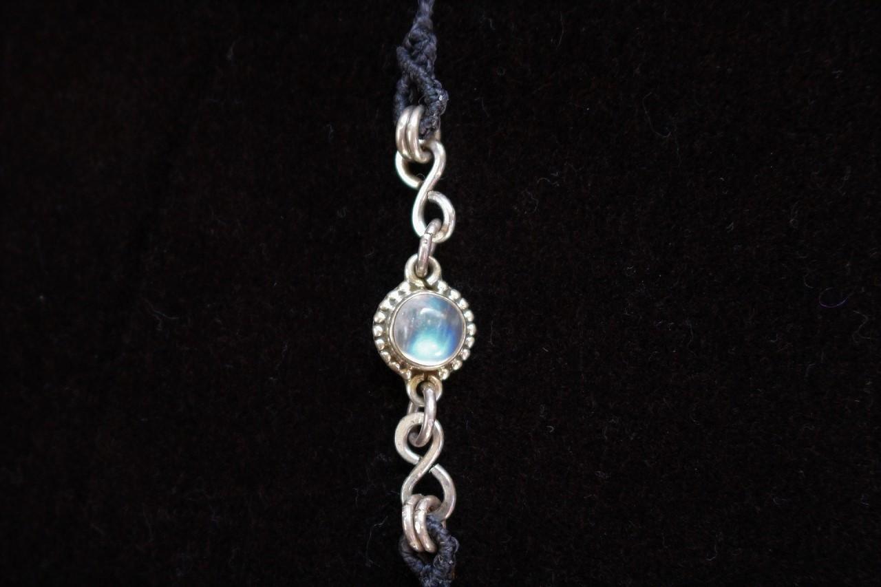 Labradorite & Rainbowmoonstone silverwire chainmail micromacrame necklace